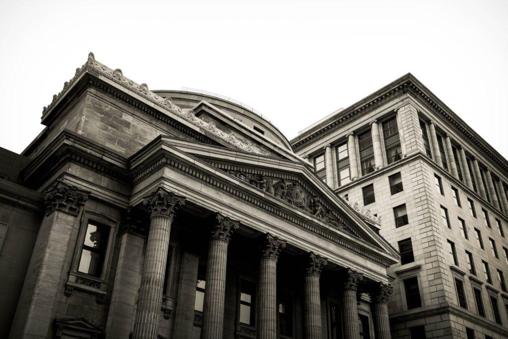 Bank stary budynek